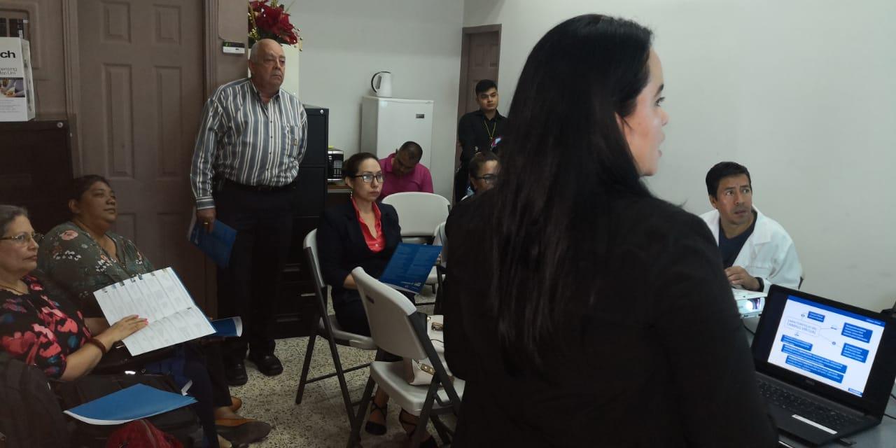 FUNIBER ofrece sesión informativa en la Cooperativa Mixta Médica Hondureña