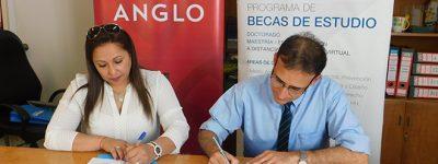 funiber-firma-convenio-de-colaboracion-con-el-instituto-cultural-anglo-de-uruguay