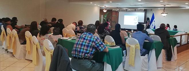 FUNIBER presenta su programa de Becas a la Cooperativa Mixta Médica Hondureña (COMMEH)