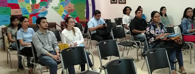 Funiber presenta su programa de becas en sesión informativa en AMCHAN Nicaragua