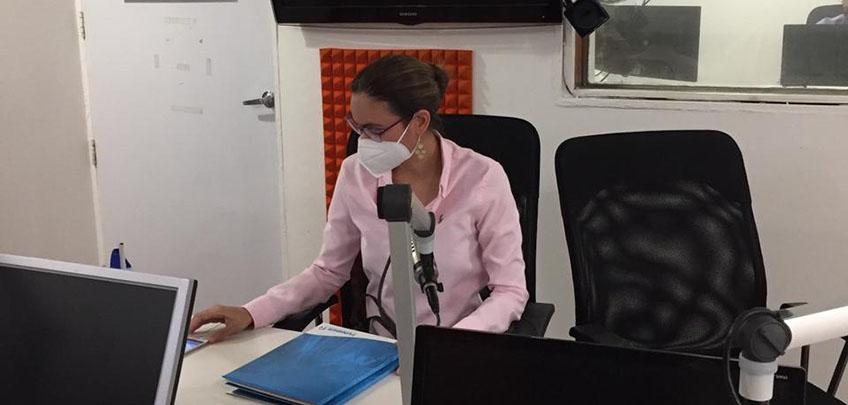 """Directora de FUNIBER Nicaragua entrevistada en el programa de radio """"Tiempo Extra"""""""