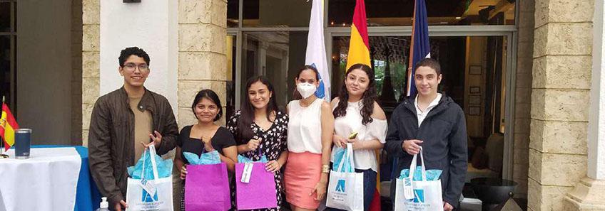 Despedida para alumnos nicaragüenses que viajarán a España a iniciar sus estudios en UNEATLANTICO