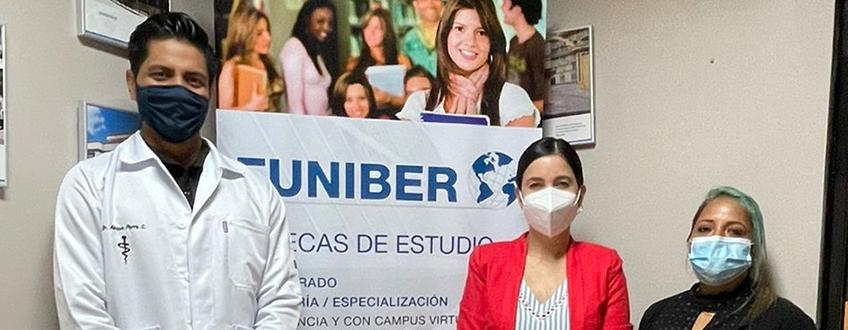 FUNIBER y la Asociación Nacional de Médicos Rurales (ANAMER) de Ecuador firman convenio de becas